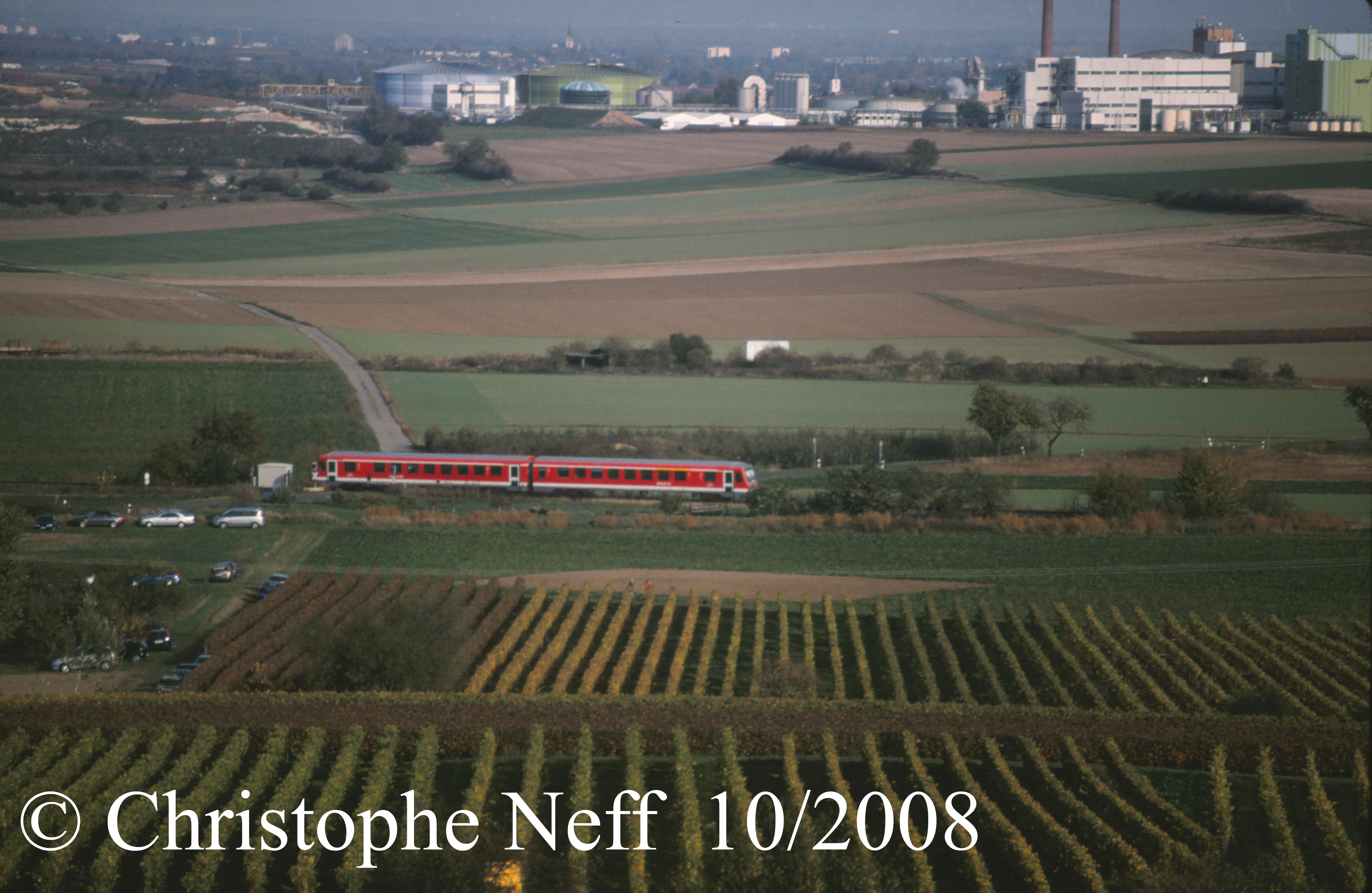 ein 628 (Pfälzische Nordbahn) bei Bockenheim 10-2008