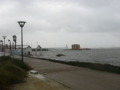 la mer sur la plage du Kyklos 11.10.2010 (Port Leucate)