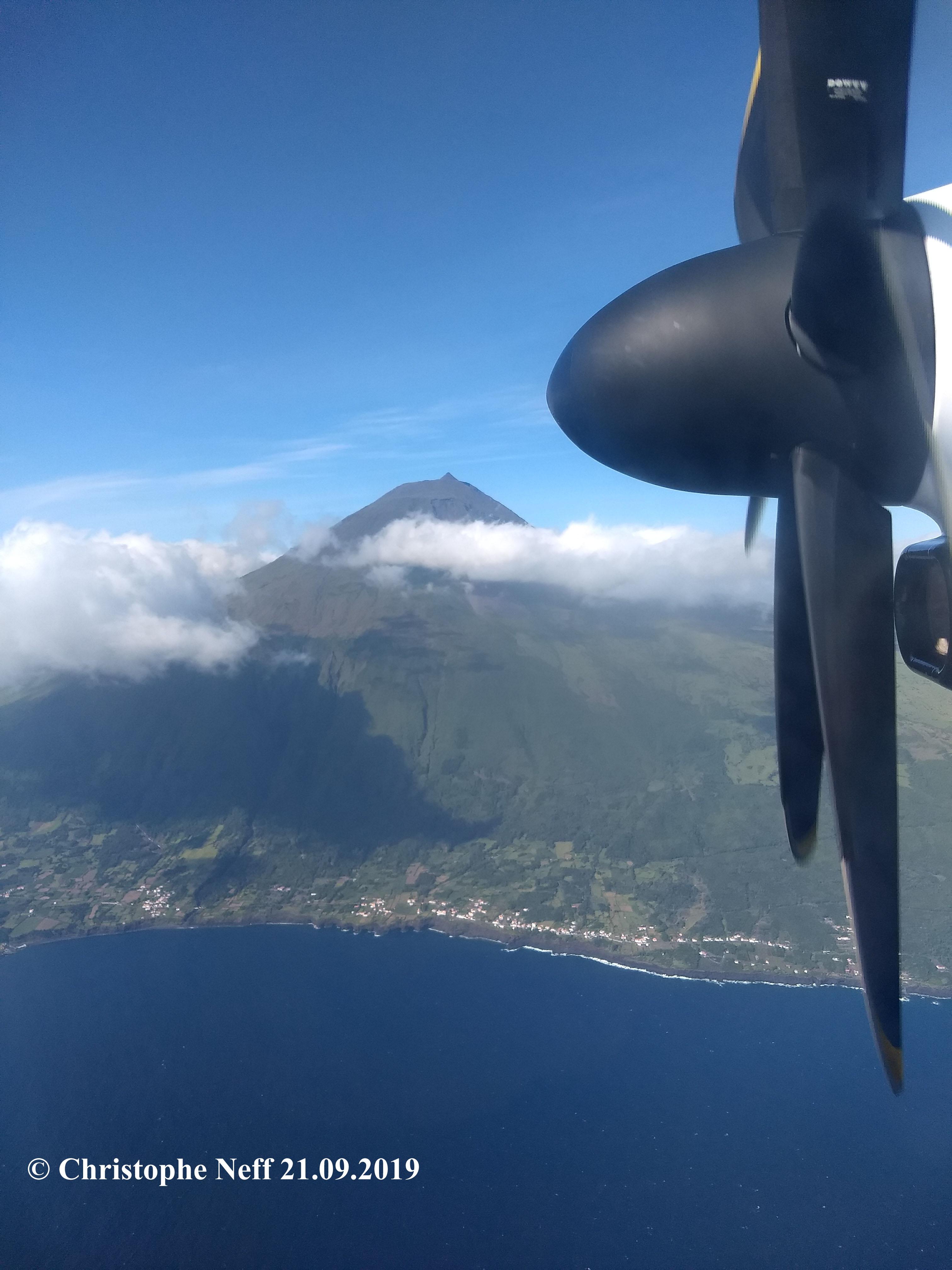 vol vers Horta- vue sur le Pico 21.09.2019