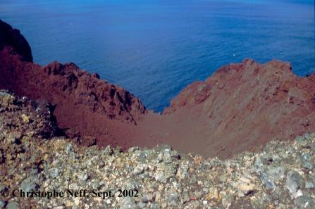 Capelinhos Blick in die Reste des alten Zentralkraters September 2002