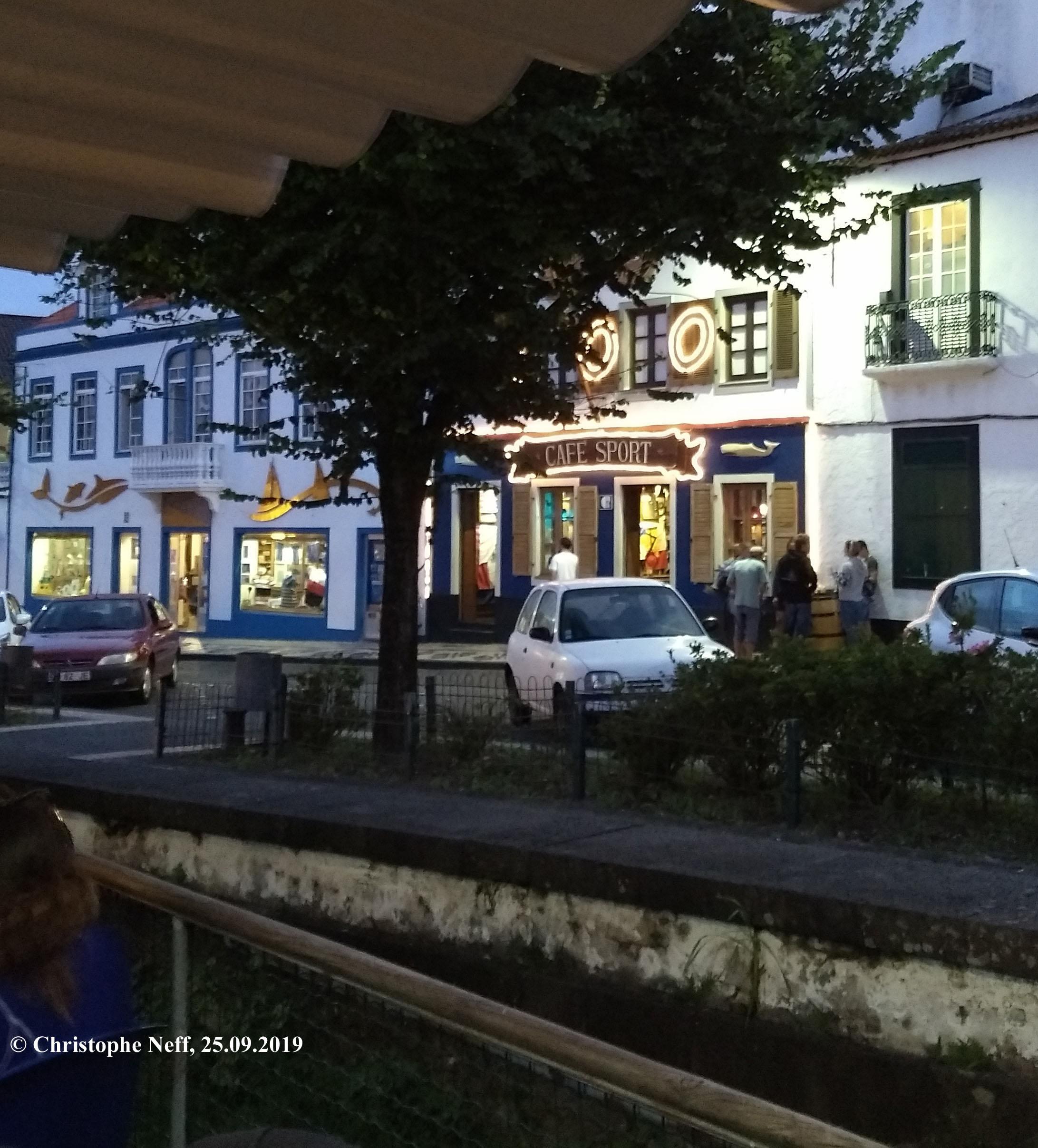 Vue sur Peter Café Sport (Horta 25.09.2019)
