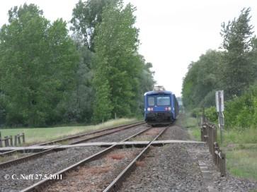 Rücklichter TER 830734 zw. Mothern und Lauterbourg 27.5.2011