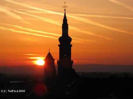 Grünstadt - Blick zum Sonnenaufgang über dem Oberrheingraben 6.4.2010