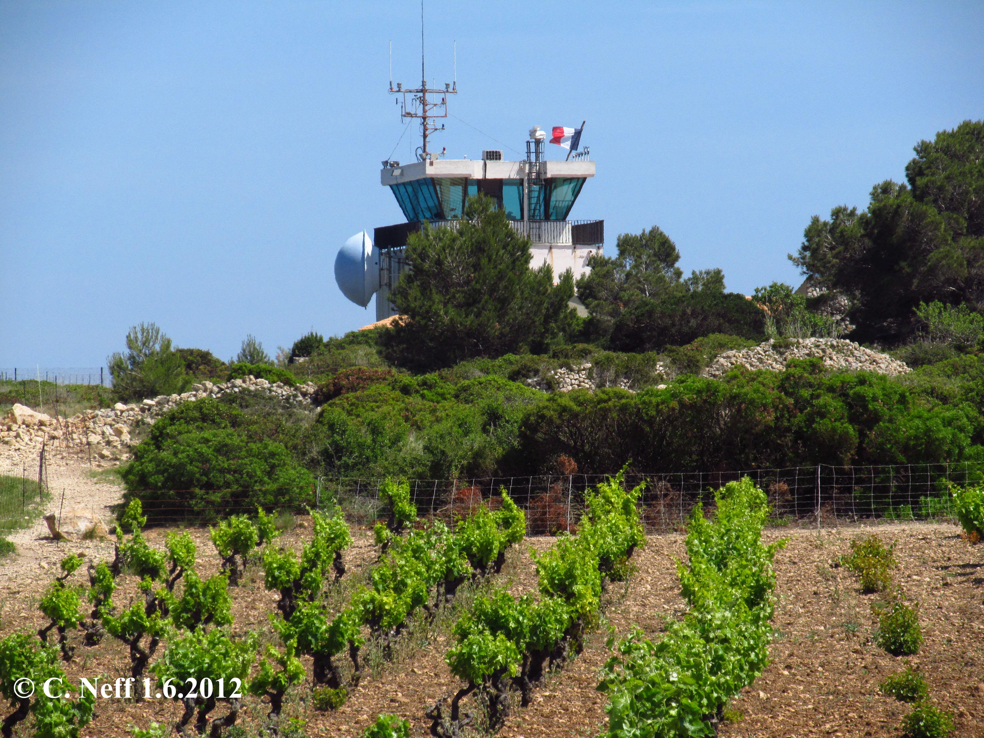 Cap Leucate - vignes et sémaphore du Cap Leucate